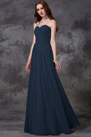 Das schwarze Kleid wird deine Anziehungskraft niemals verlieren ...